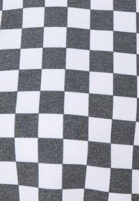 NEW girl ORDER - WHITE CHECKERBOARD TEE - Print T-shirt - black/white - 2
