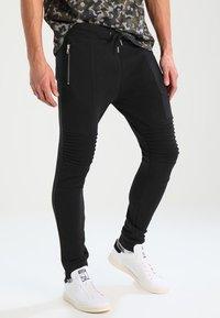 Pier One - BIKER JOGGER - Teplákové kalhoty - black - 0