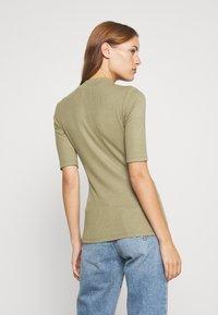 Modström - KROWN - Basic T-shirt - light khaki - 2