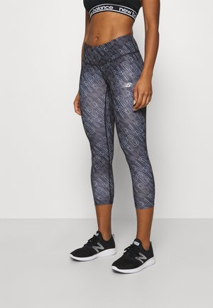 PRINTED ACCELERATE CAPRI - 3/4 sports trousers - black