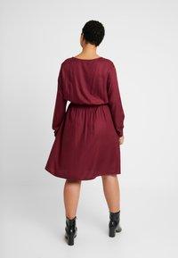 MY TRUE ME TOM TAILOR - FLUENT ELASTIC WAIST DRESS - Day dress - deep burgundy red - 2