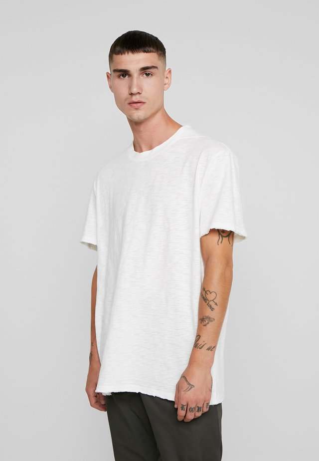 MATEO  CREW - T-shirt basic - chalk