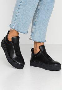 Selected Femme - SLFANNA  - Loafers - black - 0