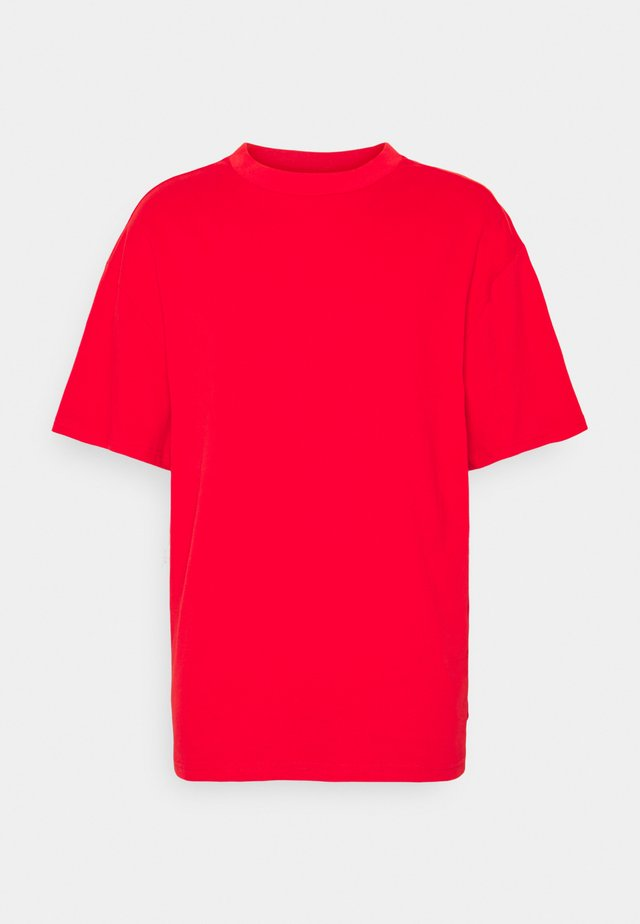 GREAT - Jednoduché triko - red