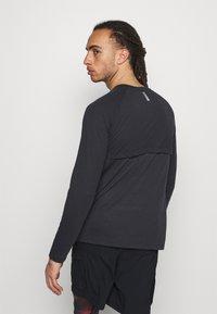 Under Armour - STREAKER  - Langærmede T-shirts - black - 2