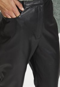 Soaked in Luxury - SLPATRICIA - Leather trousers - black - 3