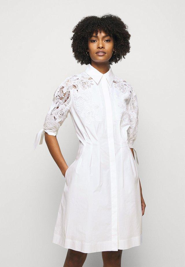 DRESS - Korte jurk - white