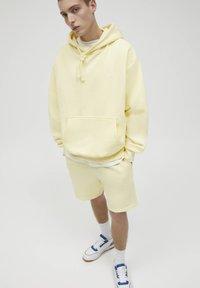 PULL&BEAR - Hoodie - yellow - 4