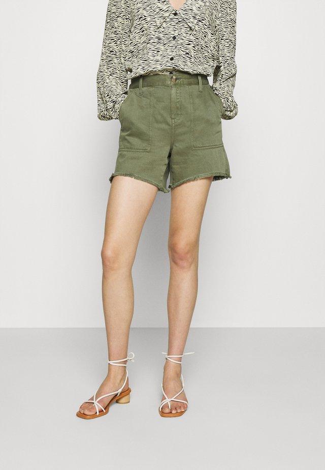 SAFARI - Shorts - olive fun
