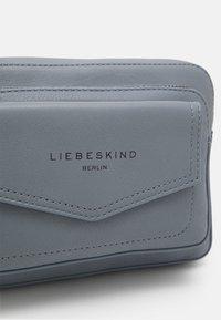 Liebeskind Berlin - CROSSBODY S - Across body bag - blue fog - 4