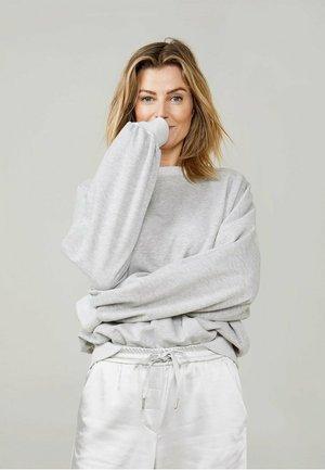 Sweater - fog