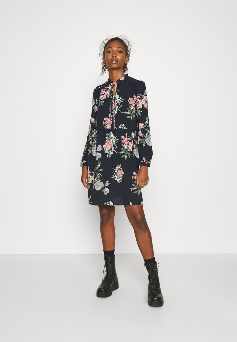 Vero Moda - VMSAGA SHORT DRESS - Day dress - navy blazer/sita