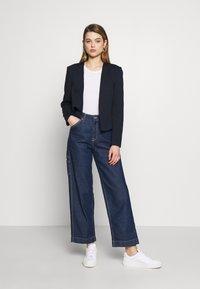 Vero Moda - VMJANEY SHORT - Blazere - navy blazer - 1