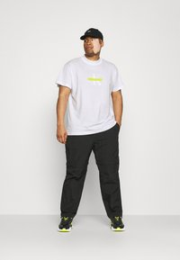 Calvin Klein Jeans Plus - CENSORED TEE - Print T-shirt - bright white - 1