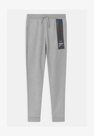 REFLECTIVE LOGO SLIM FIT UNISEX - Teplákové kalhoty - grey