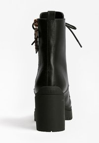 Guess - CABRA LOGO - Lace-up ankle boots - schwarz - 2