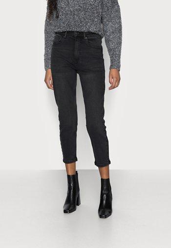 VMJOANA MOM  - Relaxed fit jeans - black