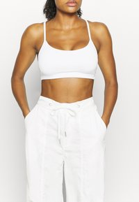 Free People - MOONPIE PANT - Trainingsbroek - white - 3