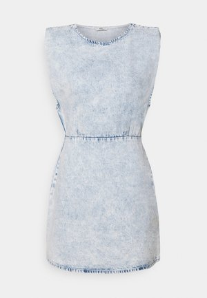 ONLSAGA SHOULDER DRESS - Denim dress - light blue denim