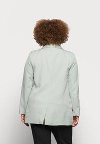 Missguided Plus - LONGLINE - Blazer - mint - 2
