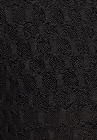 YAS - LACILLA BODYSTOCKING SHOW - Triko spotiskem - black - 2