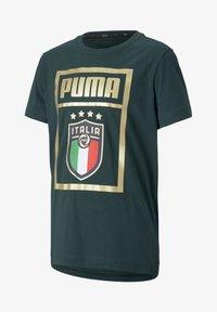 Puma - ITALIA - Print T-shirt - ponderosa pine-team gold - 0