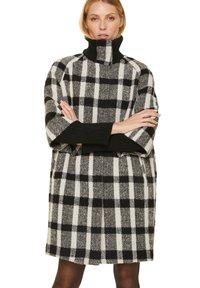 comma - Short coat - black white - 0