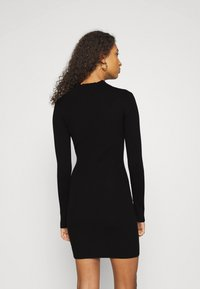 Missguided - HIGH NECK MINI DRESS - Strikket kjole - black - 2