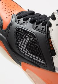 Jordan - MARS - Basketbalové boty - black/reflective silver/starfish/sail - 2
