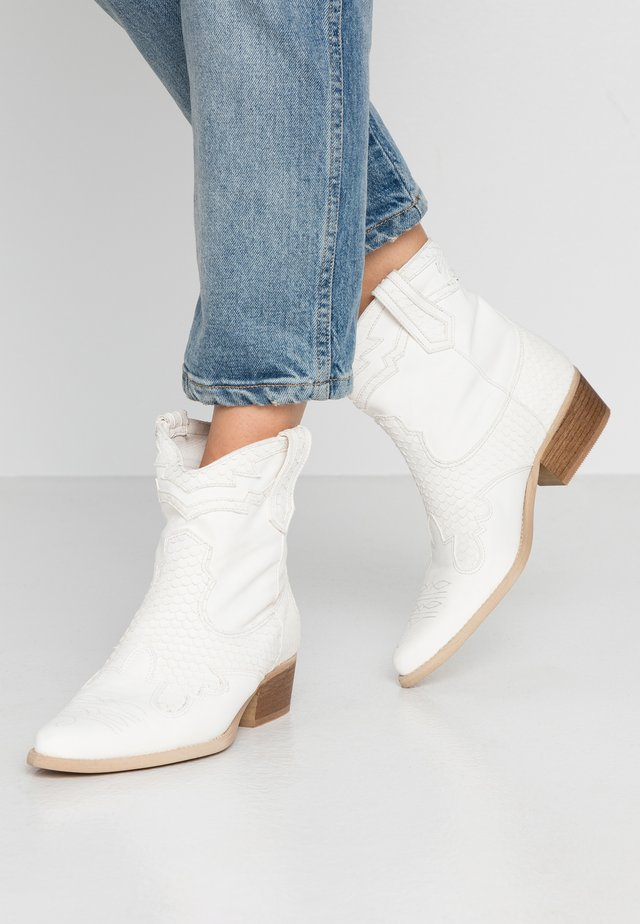 WEST - Cowboy/biker ankle boot - offwhite