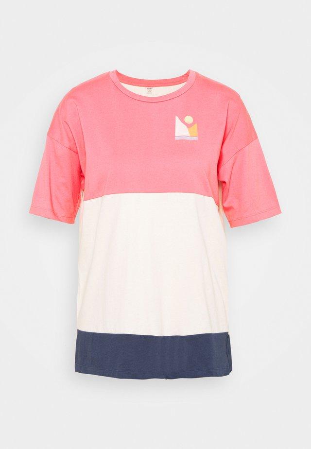 JOY TEES - Print T-shirt - pink lemonade