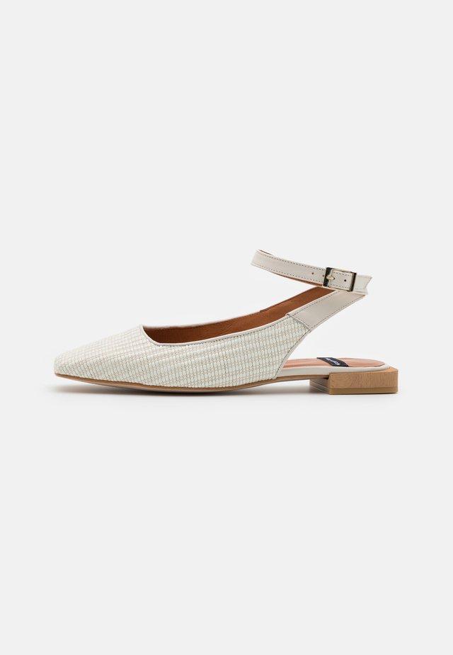 Slingback ballet pumps - avorio