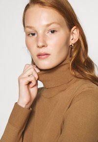 Sisley - TURTLE NECK - Jumper - beige - 5