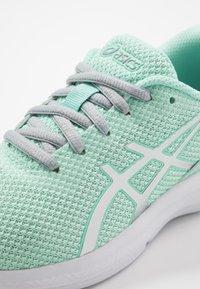 ASICS - LAZERBEAM - Zapatillas de running neutras - fresh ice/pure silver - 5