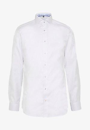 HAI-KRAGEN SLIM FIT - Chemise classique - white