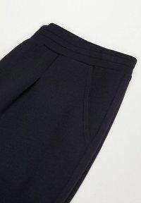 Mango - PAPIER - Trousers - noir - 7