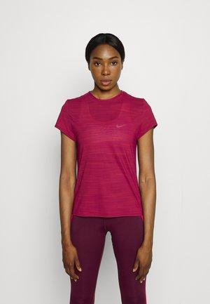TEE - Basic T-shirt - punch berry