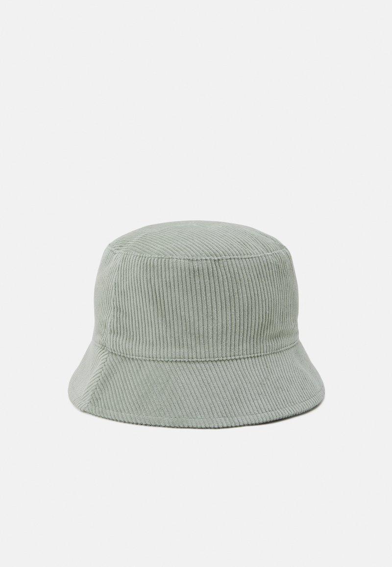 Pieces - PCDOLA BUCKET HAT - Hat - desert sage