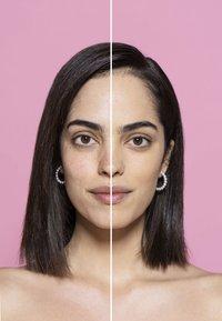 L'Oréal Paris - INFAILLIBLE 24H FRESH WEAR MAKE-UP - Foundation - 120 vanilla - 1
