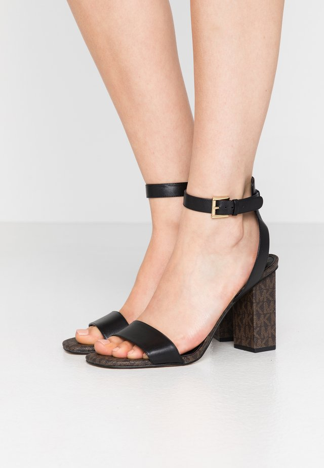 PETRA - Sandalias de tacón - black/brown