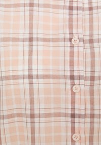 Missguided Plus - CHECK  - Button-down blouse - pink - 2