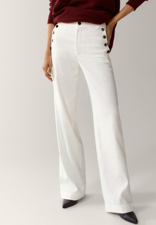 WITH BUTTONS - Pantalon classique - white