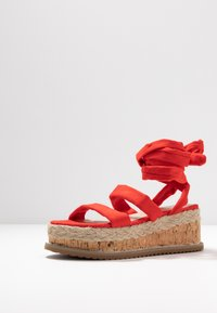 Public Desire - FRESCA - Sandály na platformě - red - 4