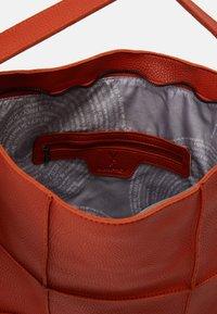 SURI FREY - AMEY - Tote bag - orange - 2
