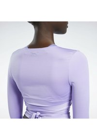 Reebok Classic - CARDI B  - Long sleeved top - purple - 5