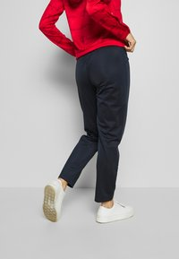 Champion - HOODED FULL ZIP SUIT - Chándal - red - 4