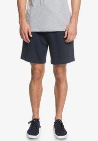 Quiksilver - ESSENTIALS  - Shorts - navy blazer - 0