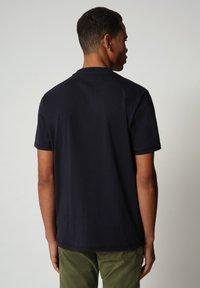 Napapijri - SIROL - T-shirt med print - blu marine - 1