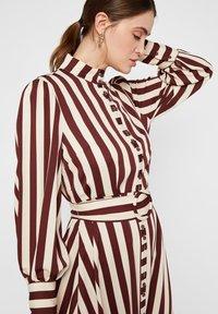 YAS - Shirt dress - rum raisin - 4