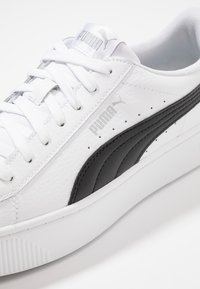 Puma - VIKKY STACKED - Sneakers basse - white/black - 2